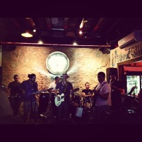 Pixbae (excelentes músicos), diciembre 2012.